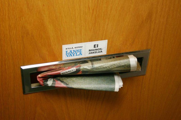 Postin lehdenjakajat välittävät työtä eteenpäin