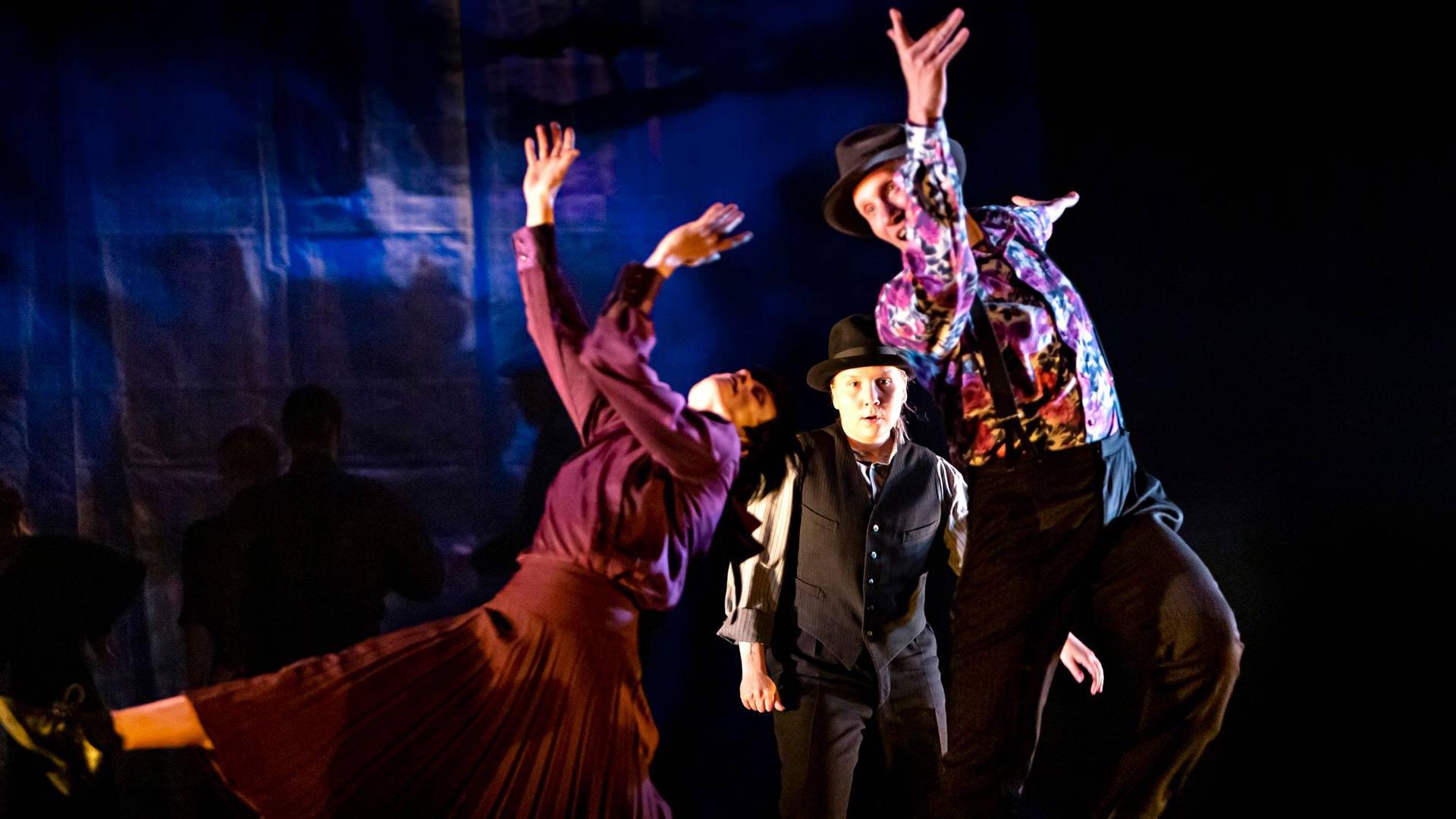 Tanssikielto- esitys koki sota-ajan tanssien kohtalon keväällä, kun korona esti ensi-illan ja esitys siirtyi syksyyn.