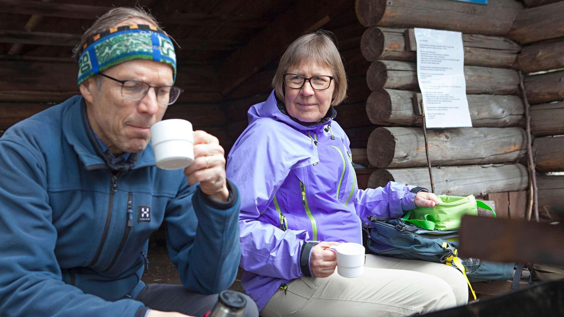 Tänä kesänä Kristiina Korpi ja Pekka Nuojua reissasivat retkeilyautollaan Uudeltamaalta Rovaniemelle saakka.