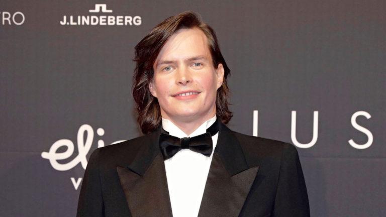 """Tottumiskysymys -elokuvasta ehdolla ollut näyttelijä Johannes Holopainen nautti roolin tekemisestä. """"Opin paljon uutta."""""""