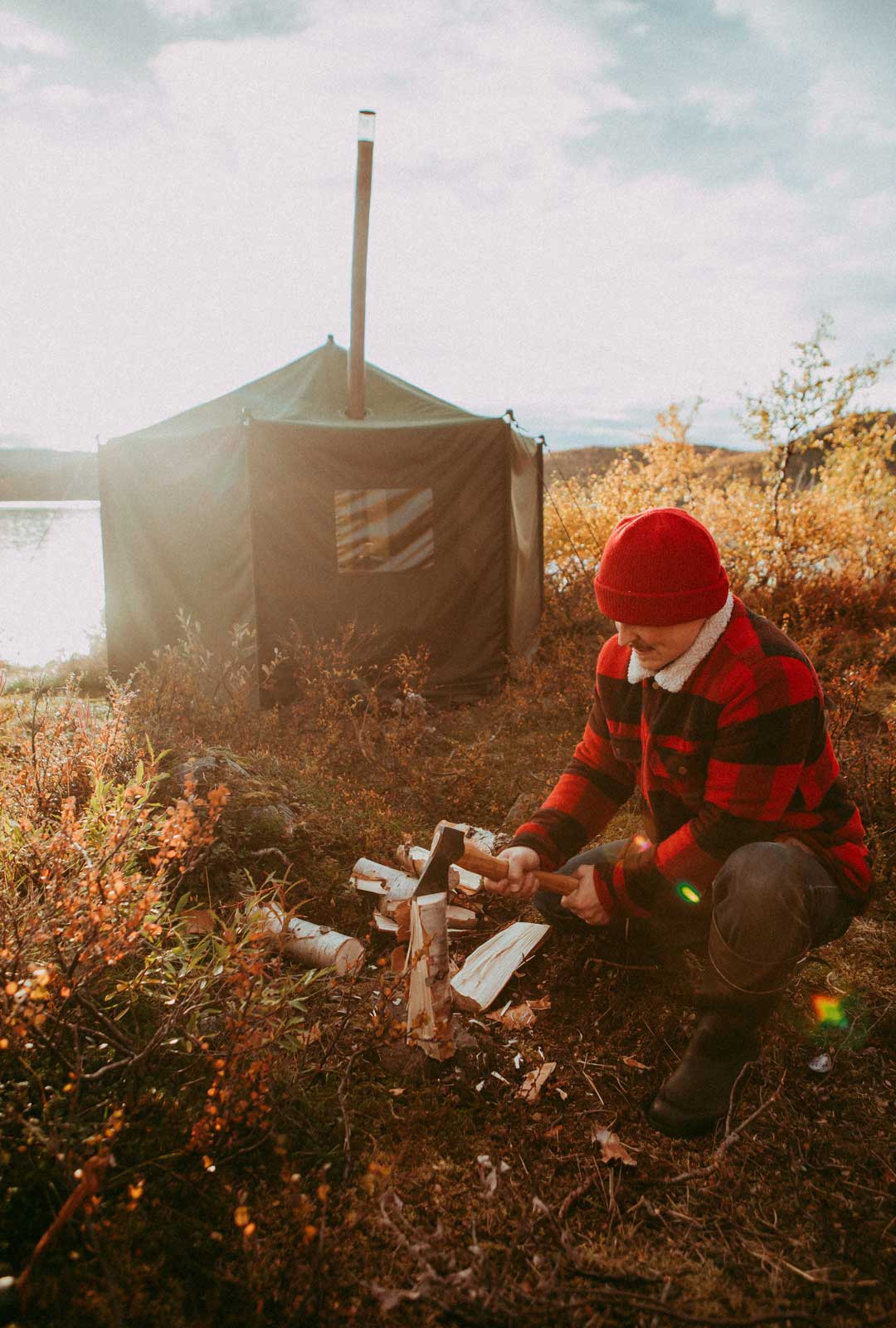 Telttasauna helpotti peseytymistä, sillä Kilpisjärven vesi oli kylmää – ei tosin niin kylmää kuin kesäkuussa.