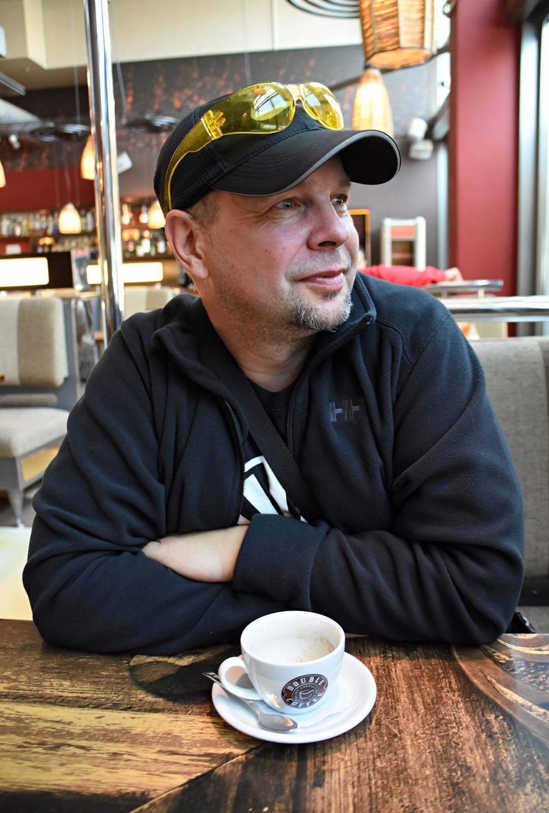 Marti˛nš Verdi˛nš on kritisoinut Latvian tulevaa mallia: koululaisten liian kevennetty koulutus ei tuota taistelukelpoisia, kovia sotilaita.