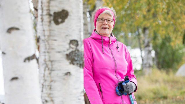 Terttu Kettunen suhtautui Onnikka-sovellukseen varauksella, mutta yllättyi iloisesti: sovellus auttoi karistamaan neljätoista liikakiloa.