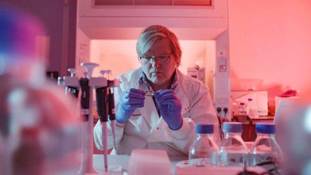 Murhan DNA, kuvassaDNA-tutkija Jari Louhelainen
