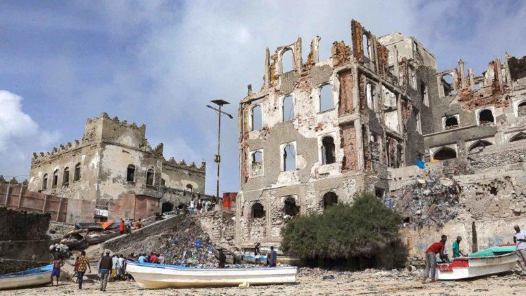 Somalia tuuliajolla.