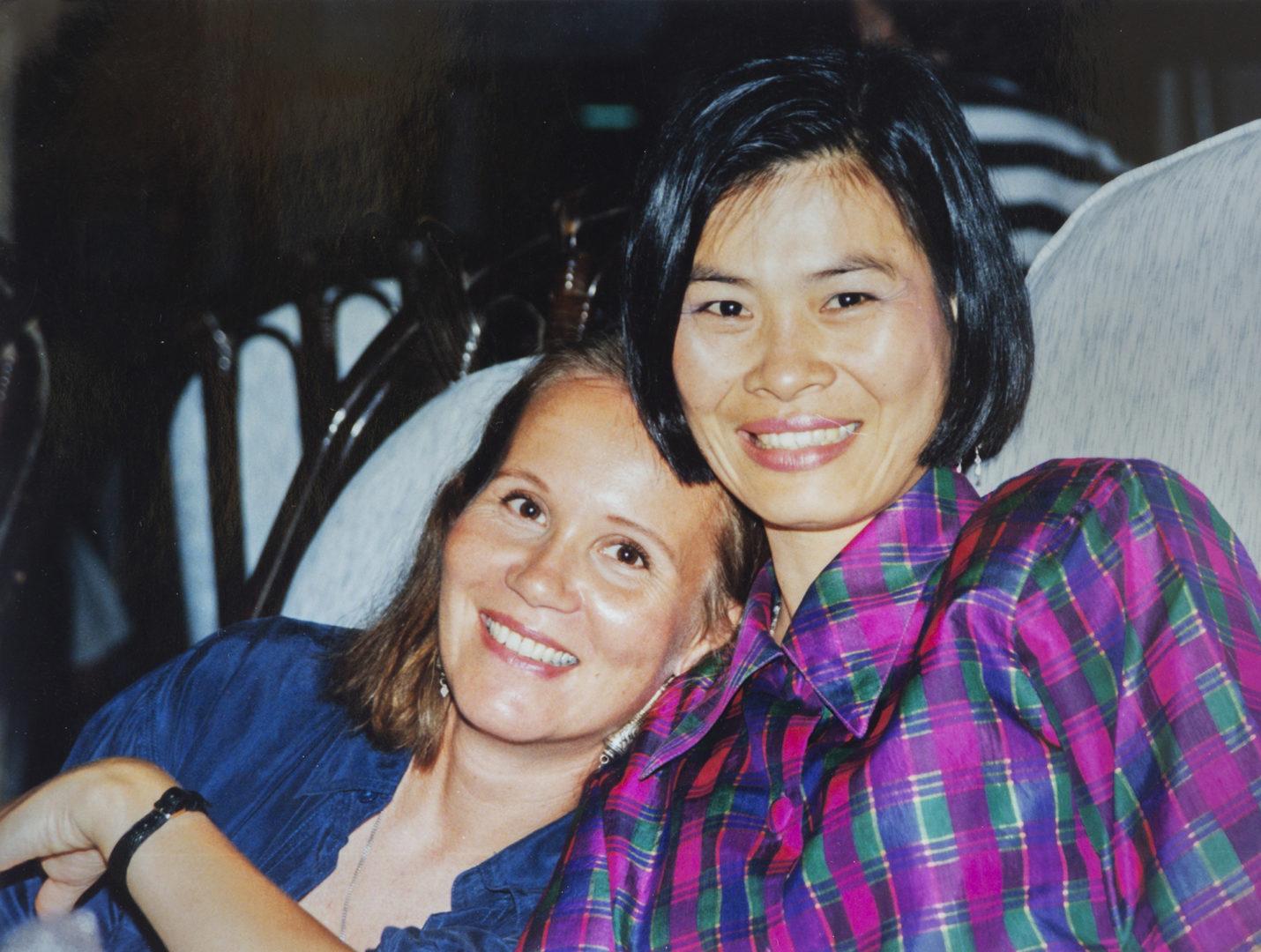 Maailmalta löytyy ystäviä. Thaimaalaisen Dares tarjoaa hoitajakollegalle majapaikan Bangkokissa.