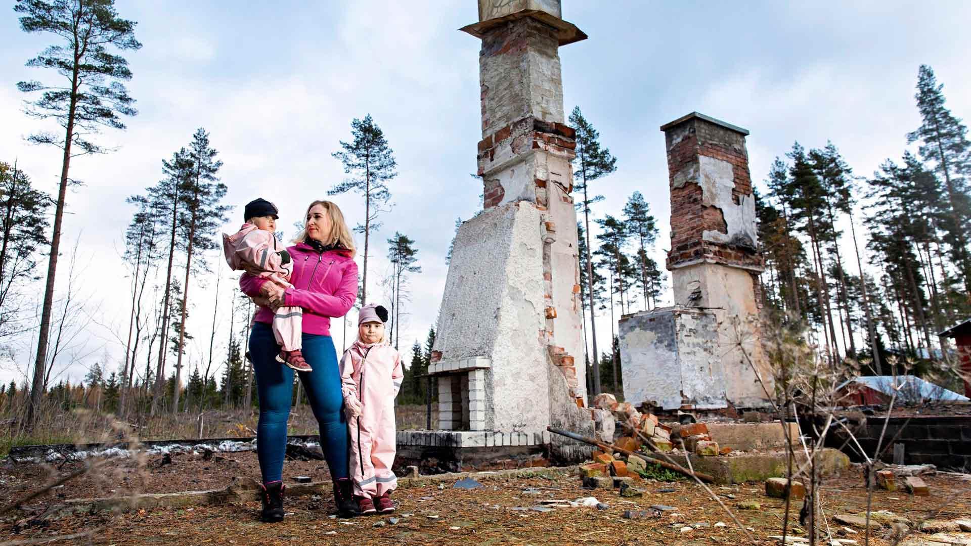 Minna Manninen on kokenut viimeisten parin vuoden aikana pahimman kautta sen, miten hometalo voi pilata perheen elämän.