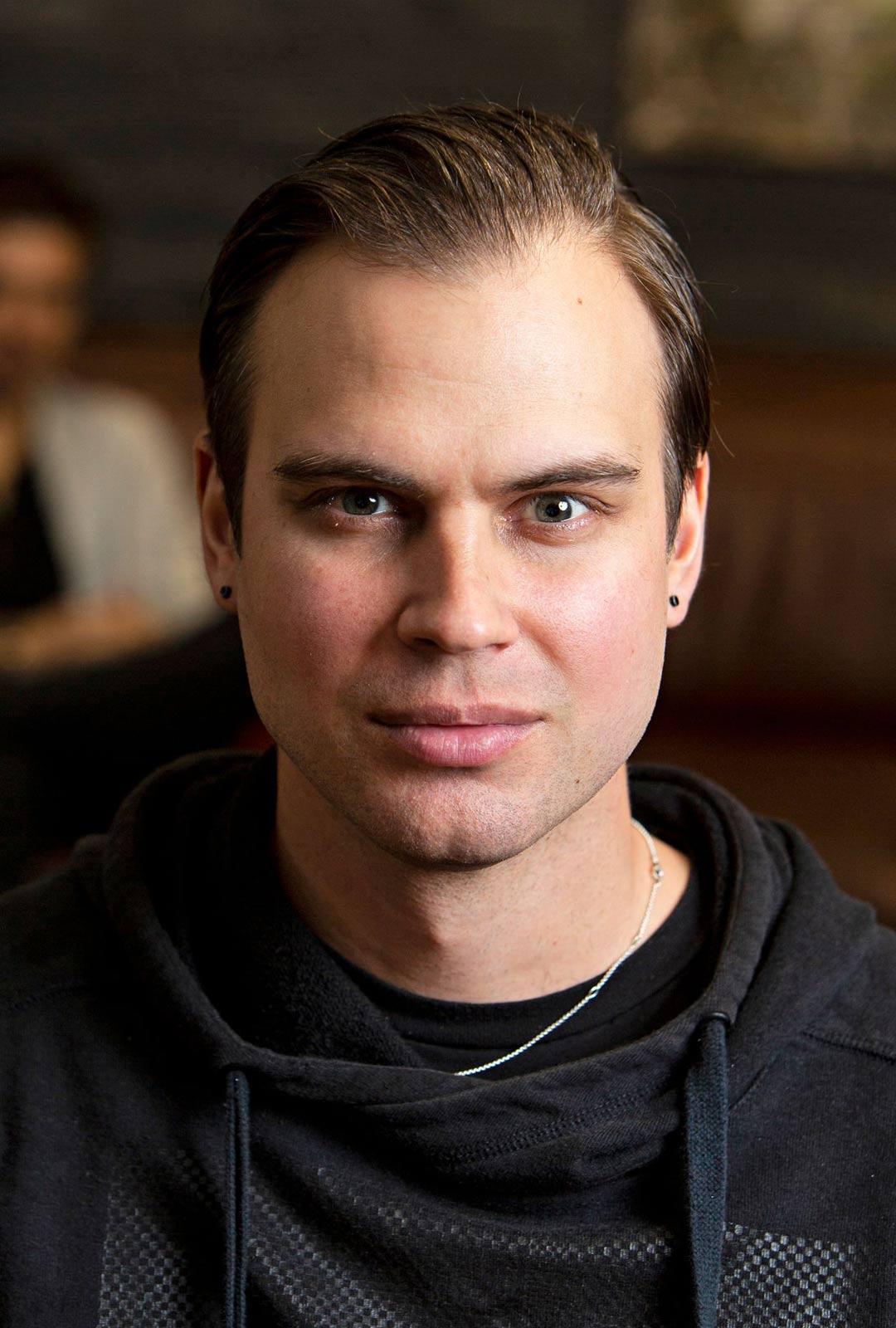 Joni, 36, Jimistä:Kiltti, fiksu ja helppo.