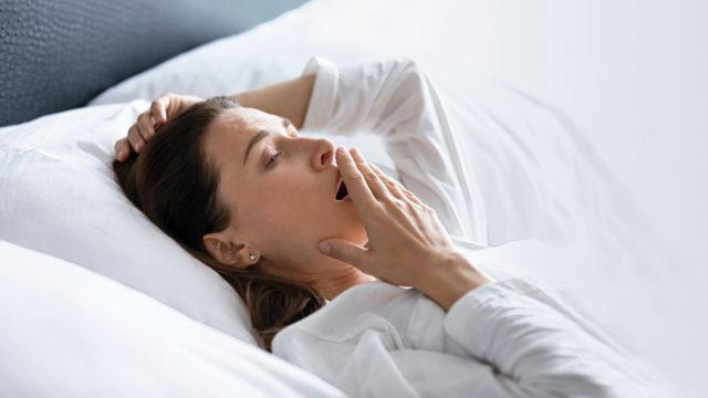 Lääkkeet eivät poista unettomuuden syytä. Takana voi olla esimerkiksi masennus, levottomat jalat -oireyhtymä tai stressi, ja niistä jokaiseen on oma hoitonsa.