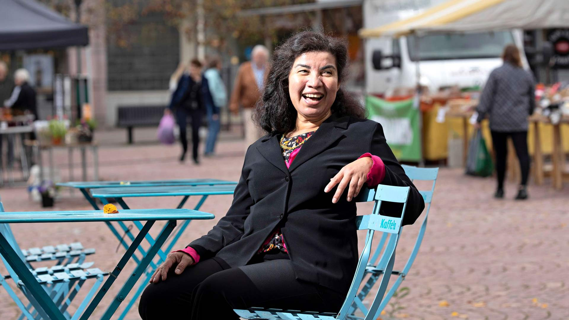 """""""Monista on aivan sietämätöntä, että maahanmuuttajanainen julkeaa tuoda mielipiteitään esille. Jätän vihapuheen omaan arvoonsa! Suomessa ei ole isäntiä eikä renkejä, olemme kaikki samalla viivalla"""", Ana Maria Gutierrez Sorainen huomauttaa."""