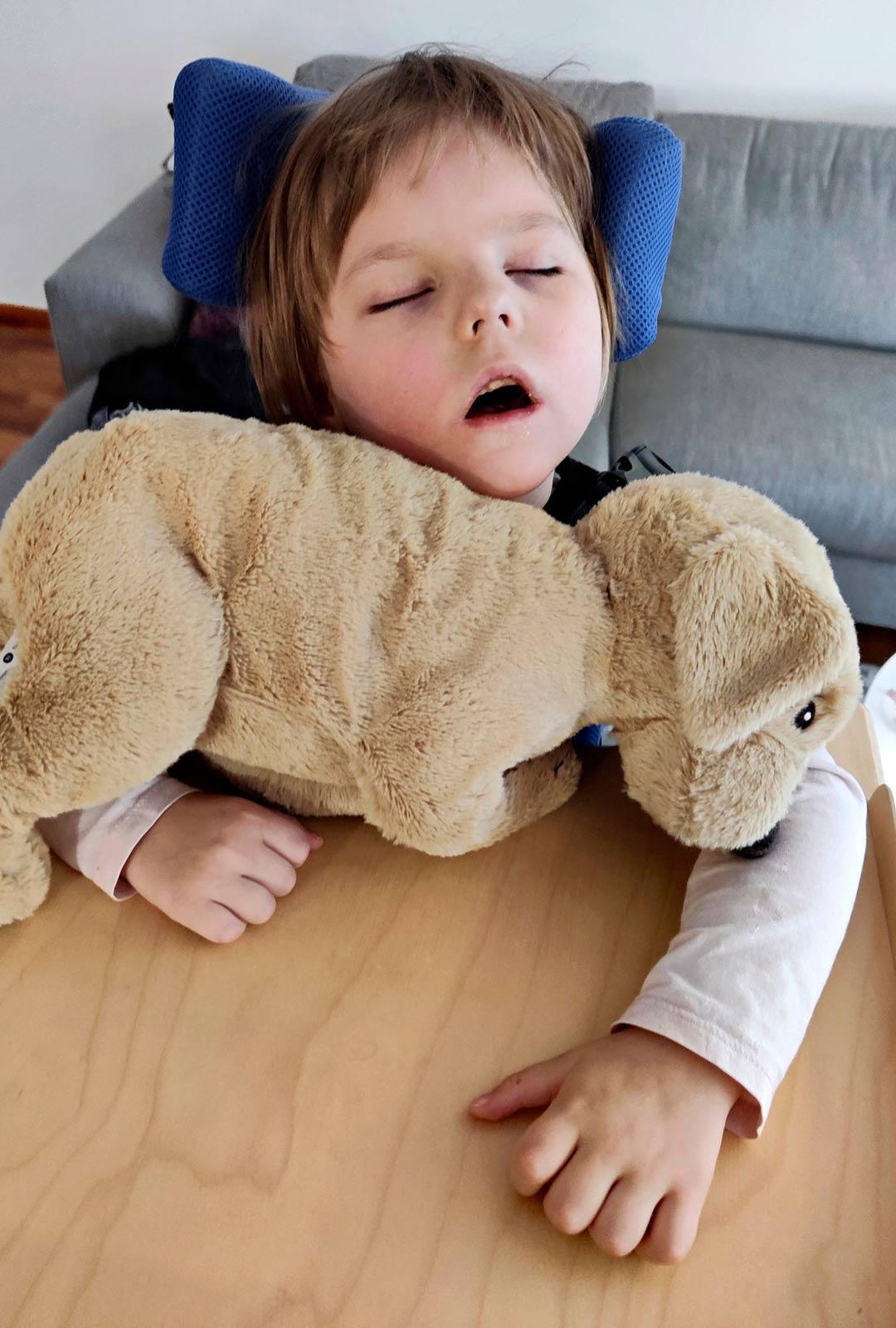 Iitalla on usein väsypäiviä, jolloin hän nukkuu paljon.