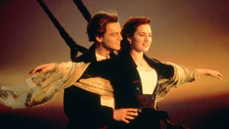 Leonardo DiCaprioja Kate Winslet elokuvassa Titanic.