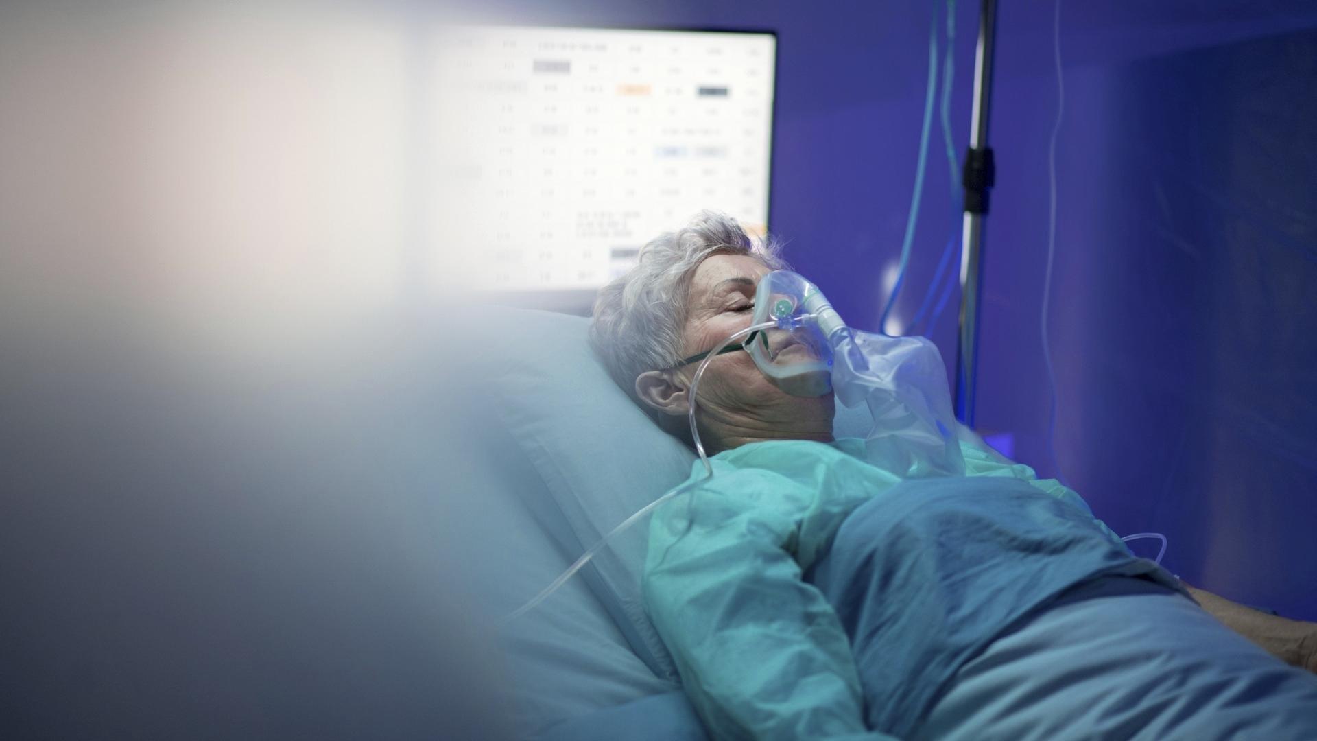 Pitkä Covid on selvästi yleisempää potilailla, jotka ovat joutuneet koronan vuoksi sairaalahoitoon.