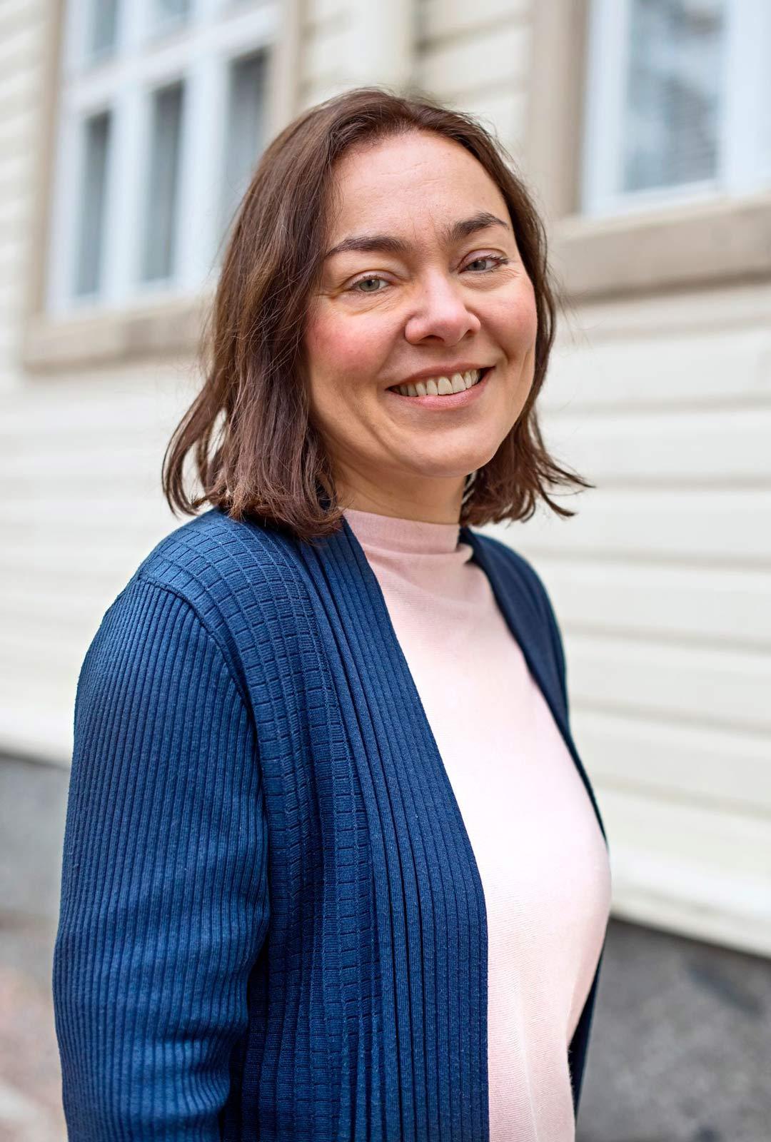 Psykologi Katja Myllyviita työskentelee tällä hetkellä psykoterapeuttina, kouluttajana ja työnohjaajana.