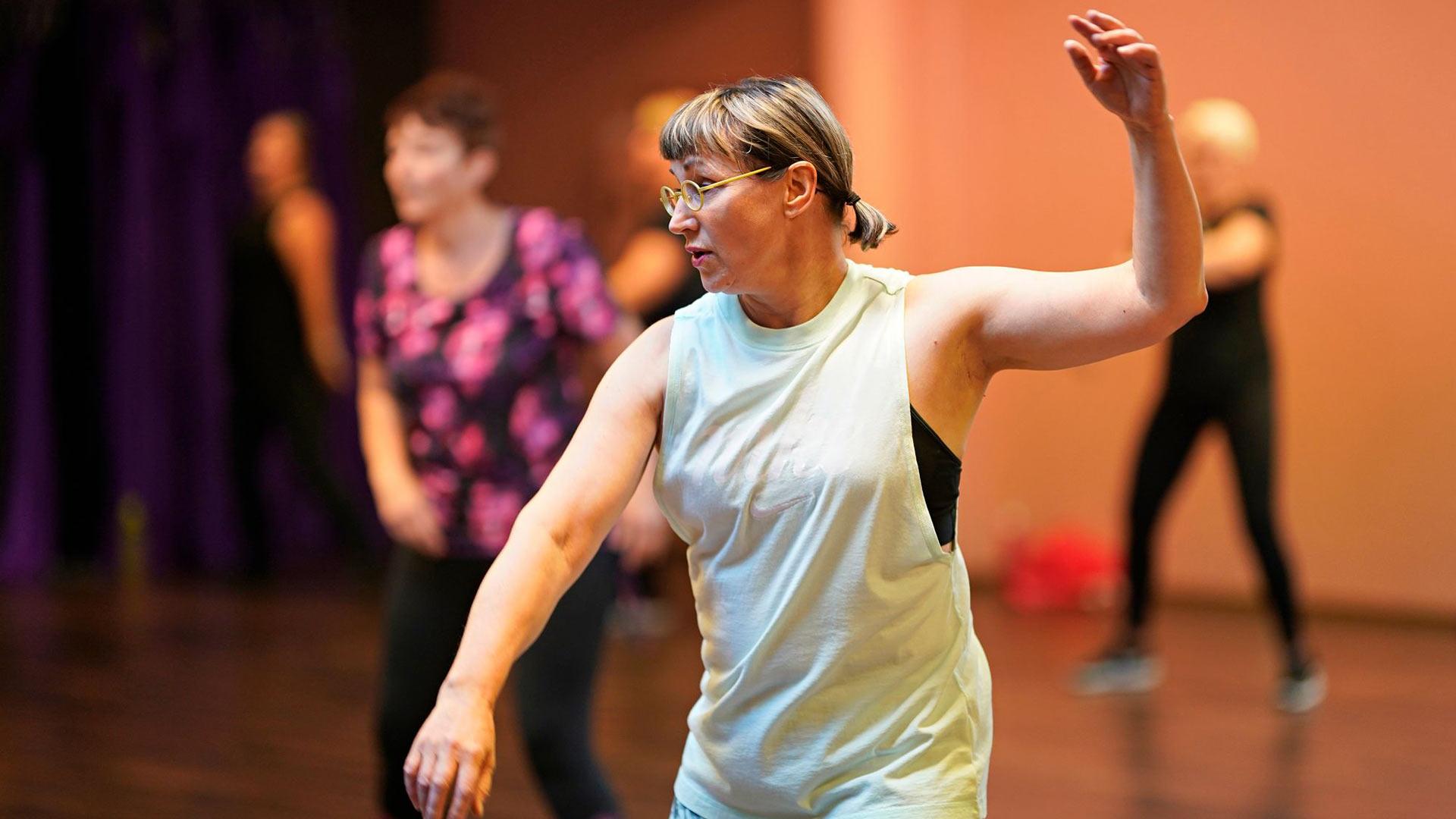 Tällä tanssitunnilla kannattaisi käydä useamman kerran, sillä kun kuviot saa haltuun, liikkeitä voi syventää.
