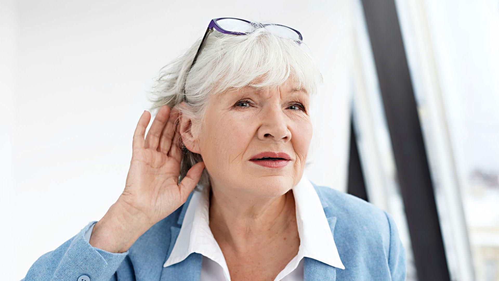 Kuulokojeen käyttö voi hidastaa kuulohermon rappeumaa.