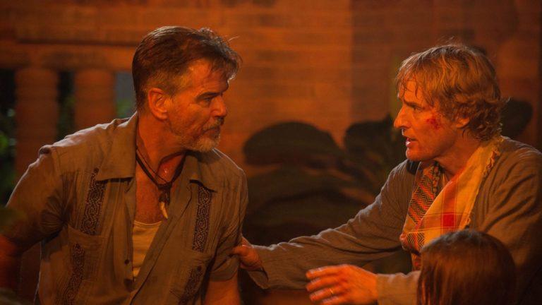 Pierce Brosnan jaOwen Wilson elokuvassaNo Escape – Ei pakotietä.