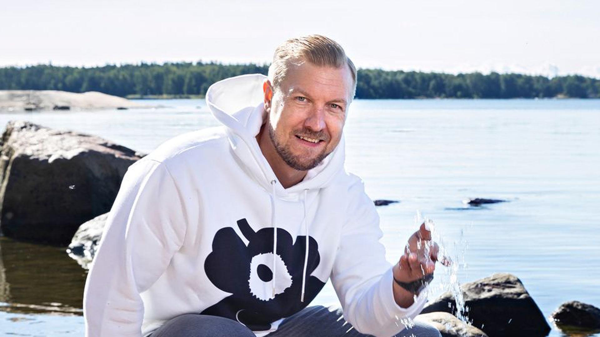 Jääkiekkoilija Niklas Hagman on syntynyt 5.12.1979. Hyvää syntymäpäivää!