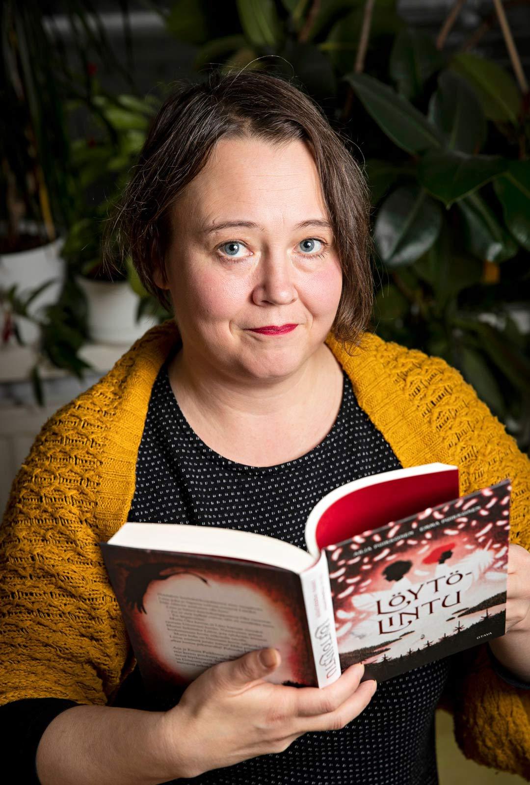 Lapsena Emma Puikkonen piilotti Jörö-Jukan lelulaatikon pohjalle, koska se oli pelottava kirja.