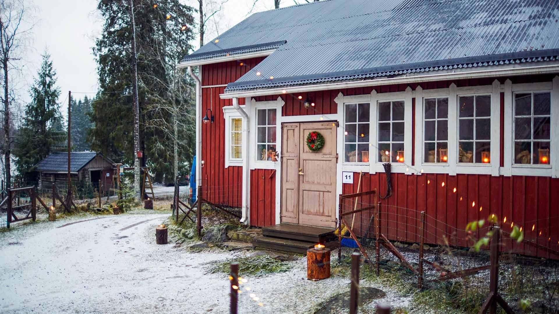Kaija Telaranta osti työvuosina Pihlavan kesäpaikakseen. Nyt se on pariskunnan koti.