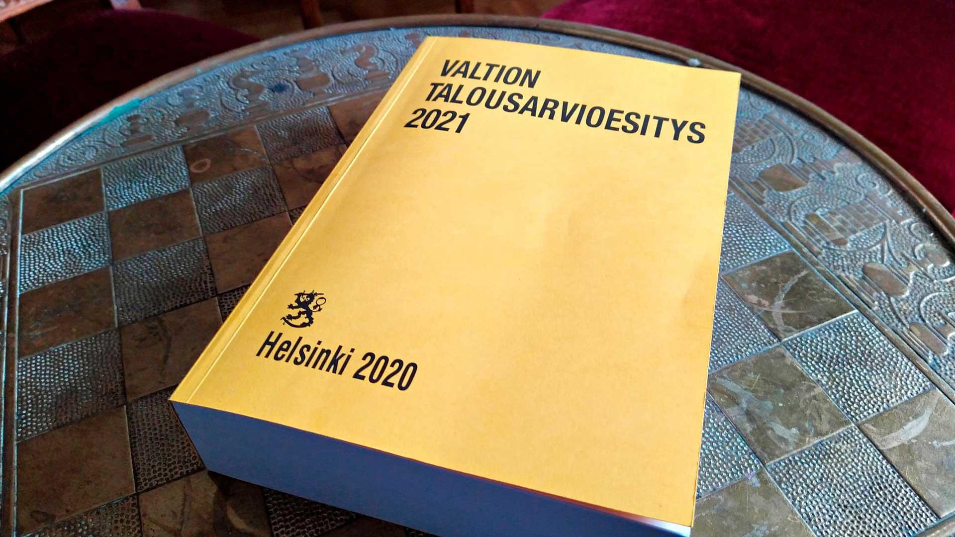 Valtion tulo- ja menoarvio, tuo joka joulun klassikko, tunnetaan keltaisista kansistaan.