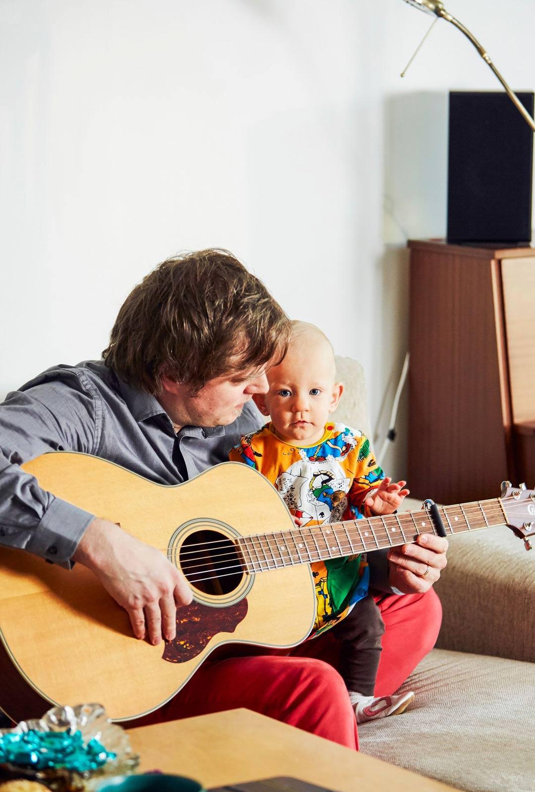 Isä on tehnyt Milalle oman laulun. Sen nimi on