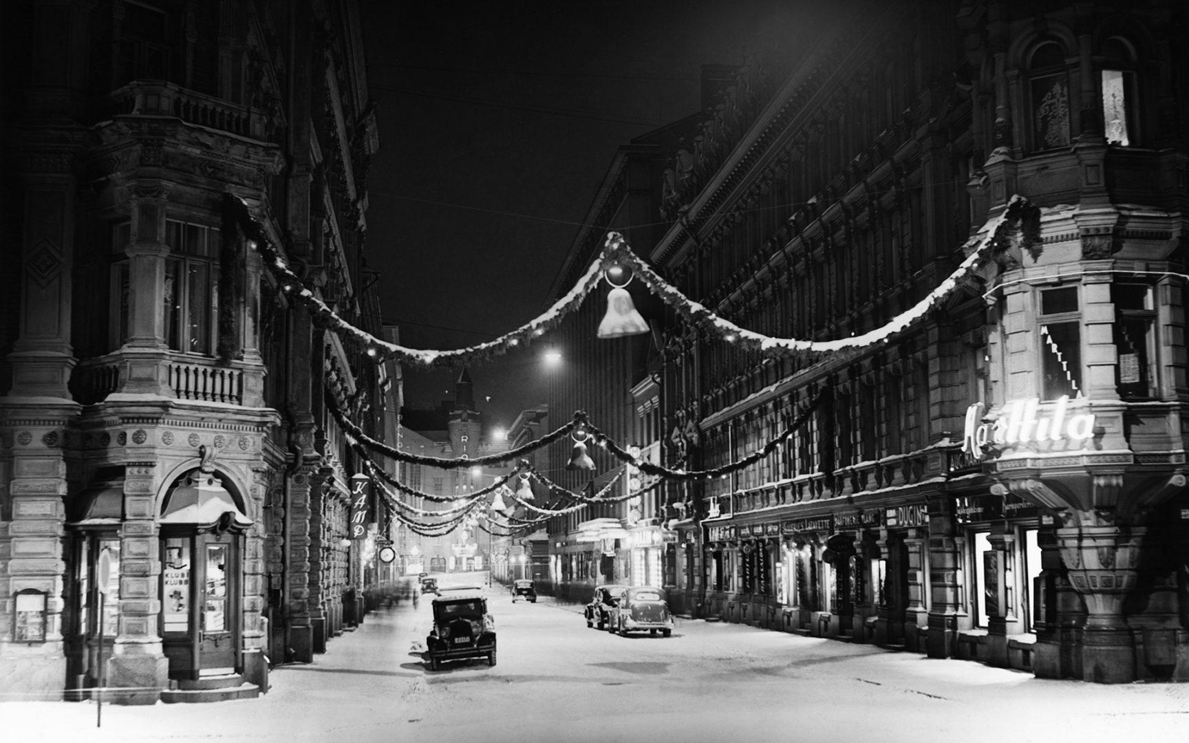 Kluuvikatu jouluna 1937.