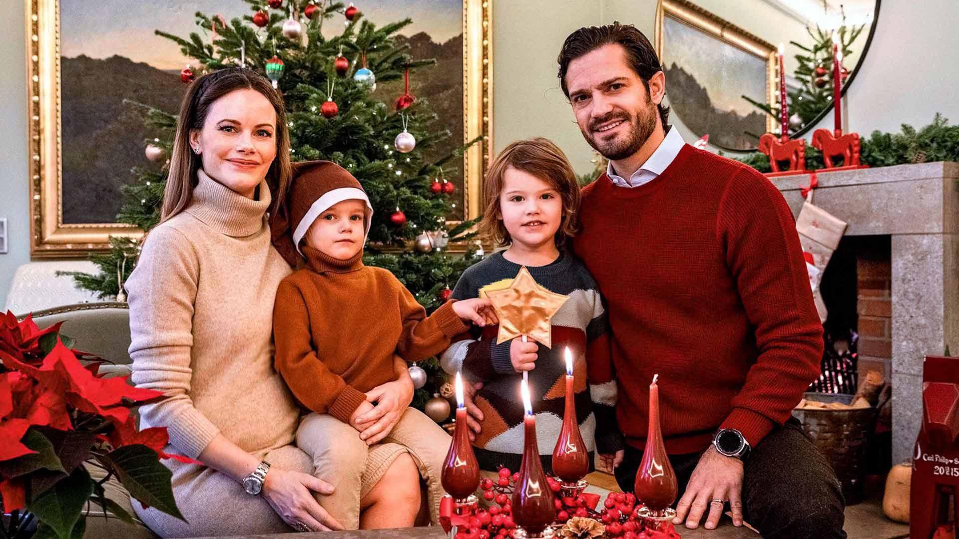 Prinssi Carl Philip, prinsessa Sofia ja pikkuprinssit Gabriel ja Alexander puolestaan paistoivat kinkkua kotonaan Villa Solbackenissa.