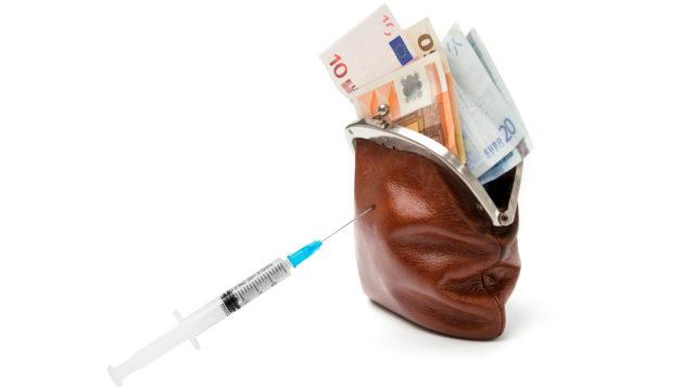 Hypoteekkiyhdistys ennustaa, että suomalaiset säntäävät hemmottelemaan itseään heti kun aikuisväestön enemmistö on saanut rokotesuojan. Ravintola-ala näkee nousun ensimmäisenä.
