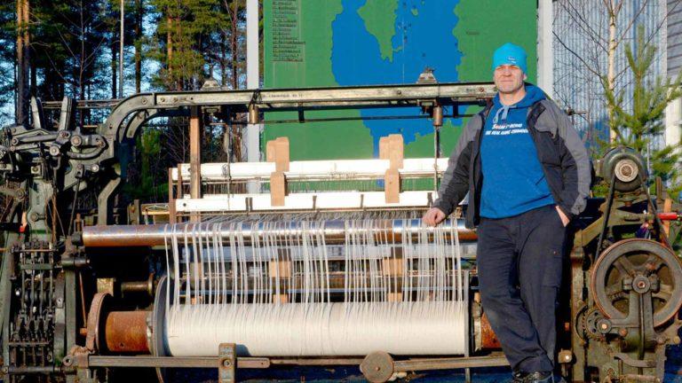 Tämäkin kone tekee vielä pitkään mattoa jossain maailmalla, kunhan Pekka Kankaan firma on sen kunnostanut.
