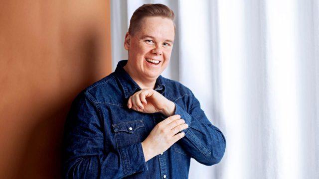 """""""Rakkaus luontoon ja metsässä olemiseen on peruja lapsuudesta"""", sanooAntti Tuomas Heikkinen."""