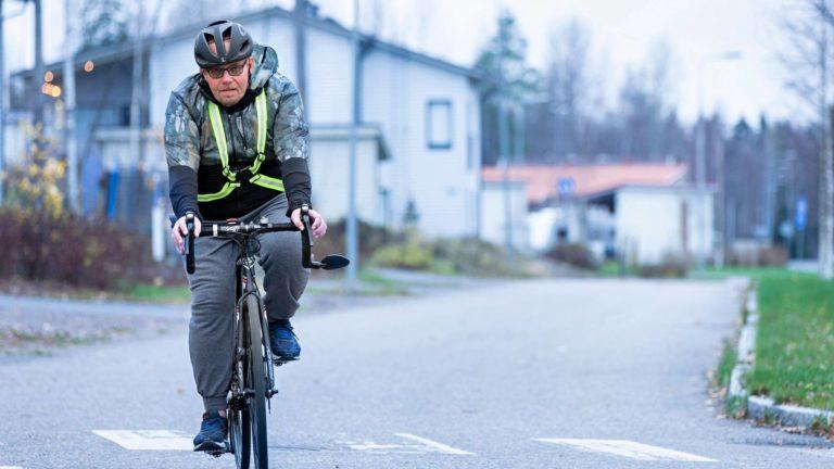 Entisestä liikunnan vihaajasta tuli elintapamuutoksen myötä innokas liikkuja. Nykyään Timo Rautajärvi käy kuntosalilla 4–5 kertaa viikossa ja pyöräilemässä lähes päivittäin.