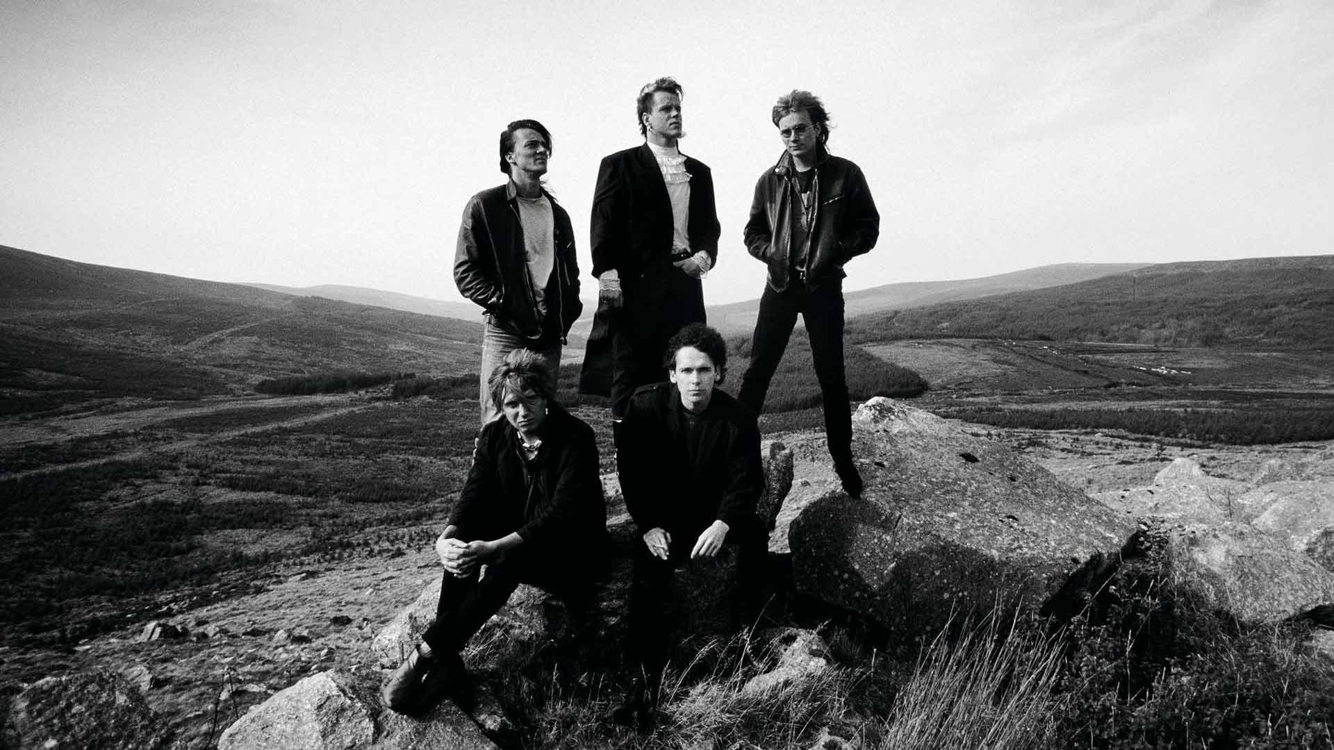 Kunnian kenttiä levyttämässä Irlannissa lokakuussa 1985.