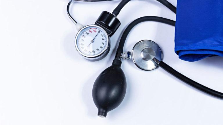 Hyvillä elintapamuutoksilla verenpainetta voi laskea vähintään saman verran kuin lääkkeellä.