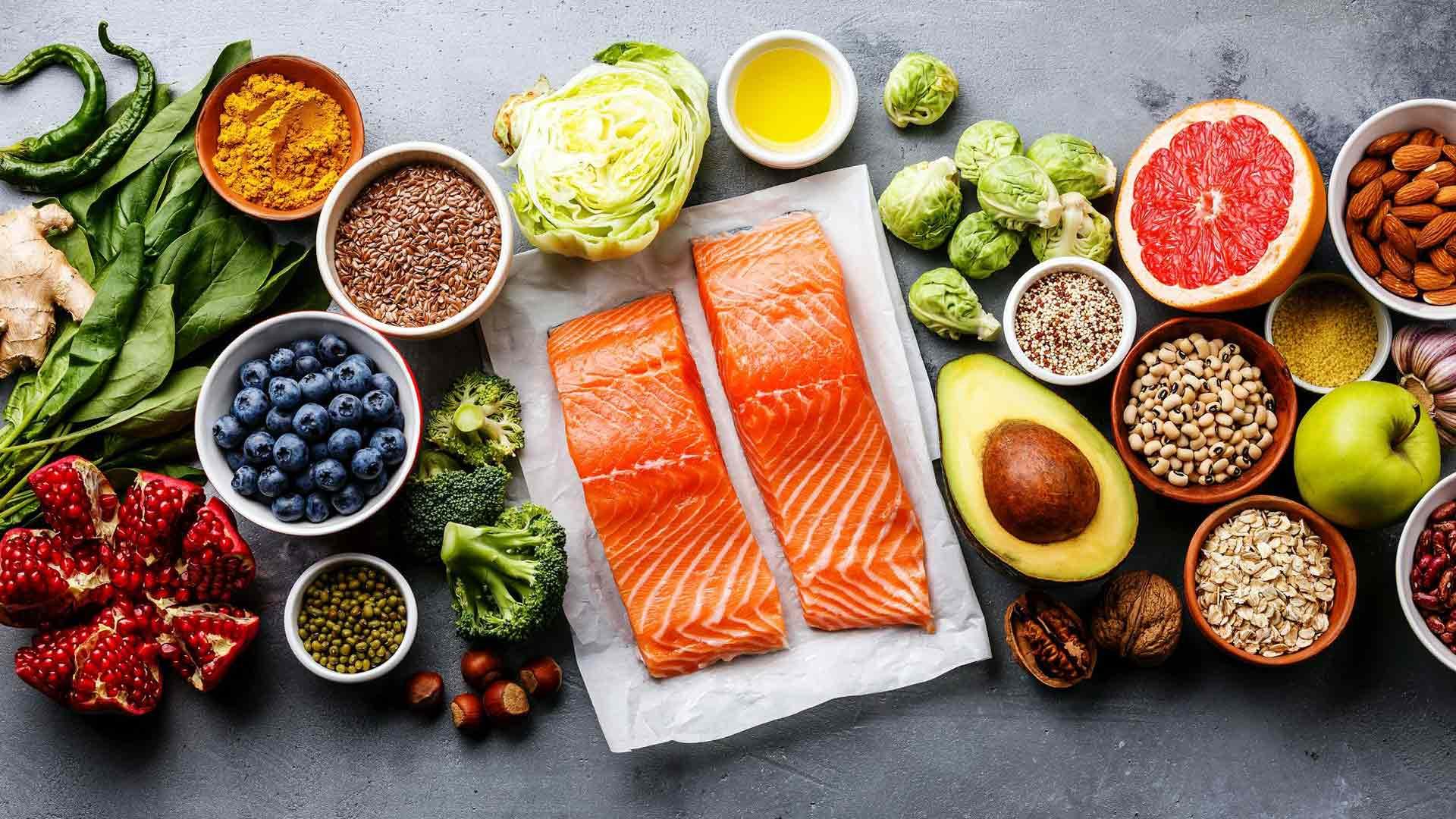 Useiden tutkimusten mukaan perinteinen Välimeren ruokavalio on yhteydessä matalampaan tulehdustasoon.