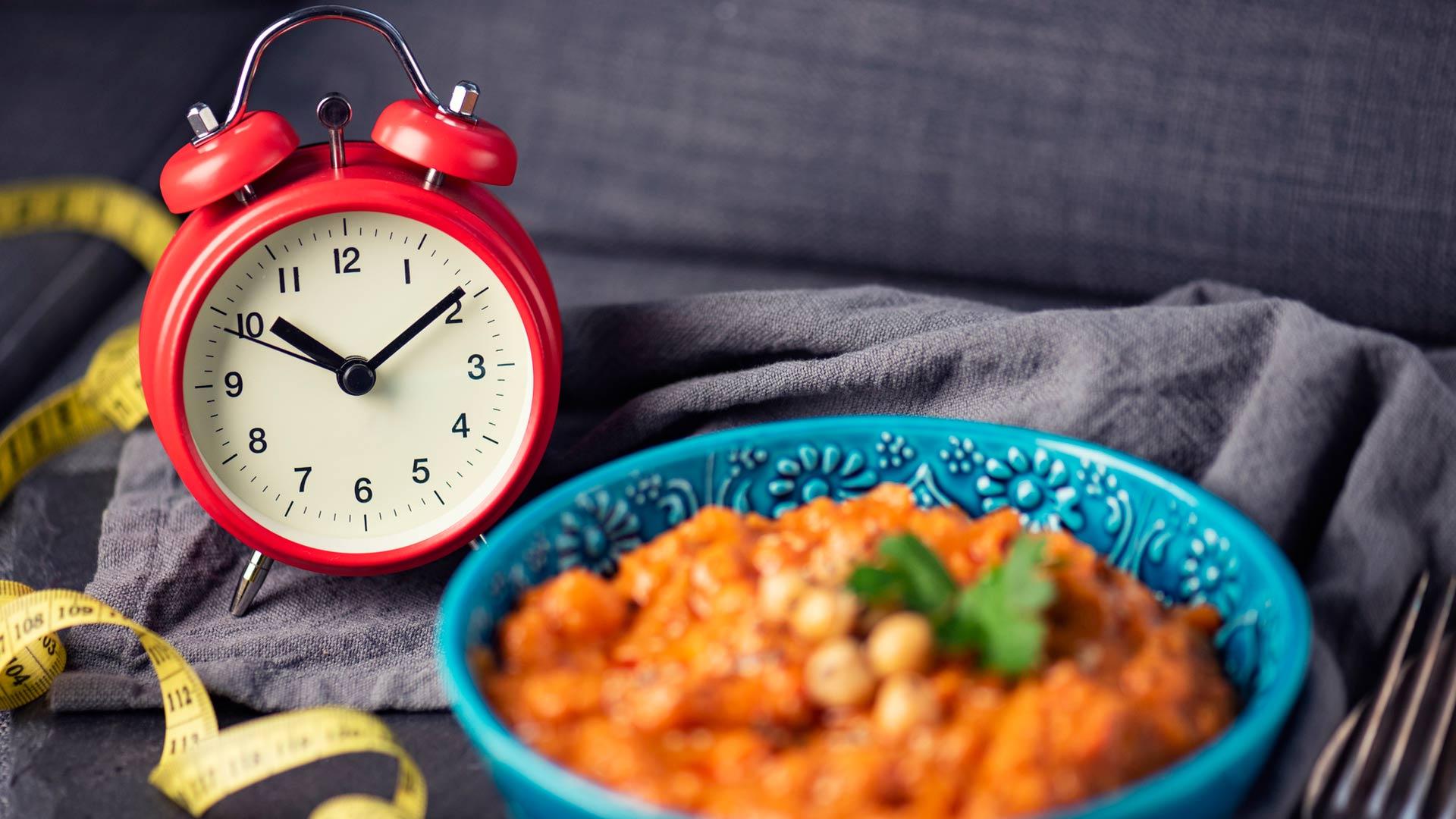 Liian kevyellä lounaalla verensokeri ei pysy tasaisena, ja päivällisaikaan nälkäisenä ja väsyneenä tulee syötyä liikaa.