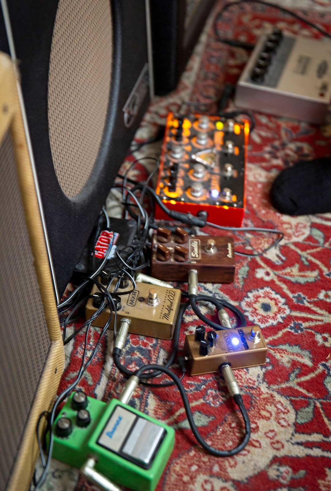 Efektilaitteilla voi laajentaa kitaran saundivalikoimaa.