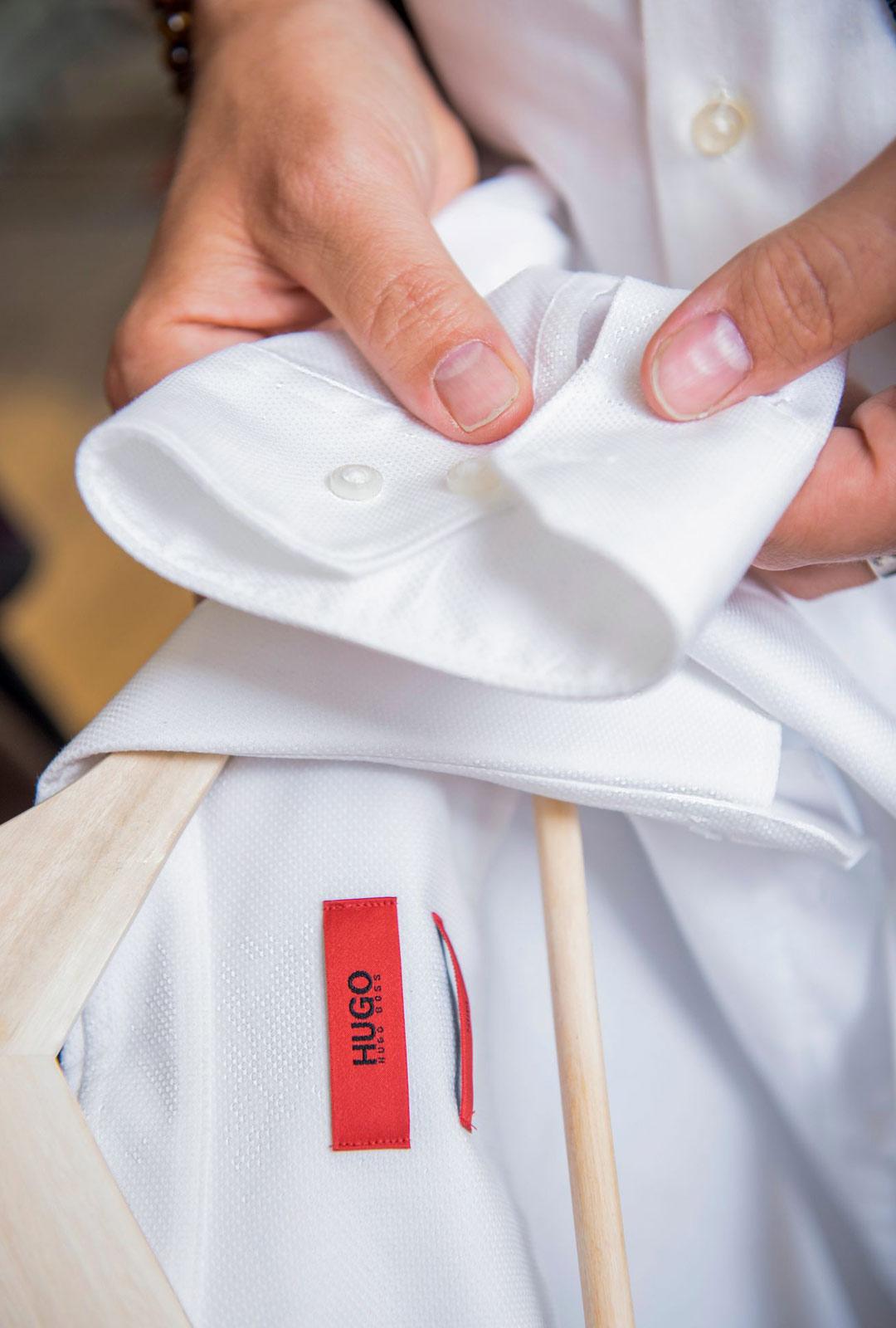 Paitoja kuluu keikoilla vähintään kuukausi per paita tahtiin. Bossin paita 39 euroa.