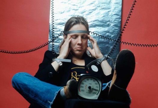 Pave Maijanen Suosikissa 1976. Aika oli Maijaselle erittäin kiireistä, hän esiintyi useissa bändeissä kuten Royalsissa.