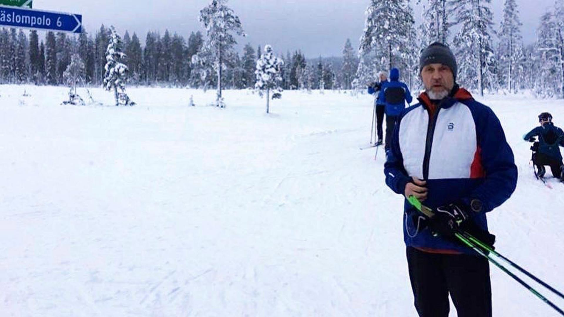 Jari Sarasvuo oli joulukuun lopussa hiihtomatkalla Äkäslompolossa. Laduilta hän kertoi hakevansa voimia kiireiseen työkevääseen.