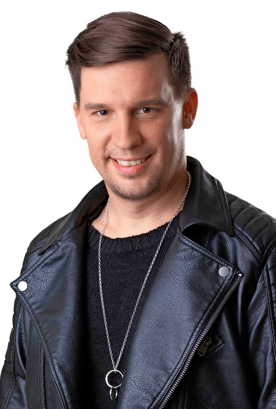 Näyttelijä Mikko Virtanen.