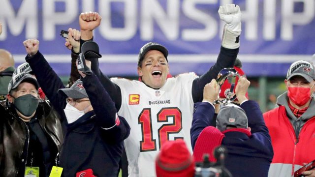 Urheiluviikon nostot: Super Bowl LV, kuvassapelinrakentajalegenda Tom Brady.