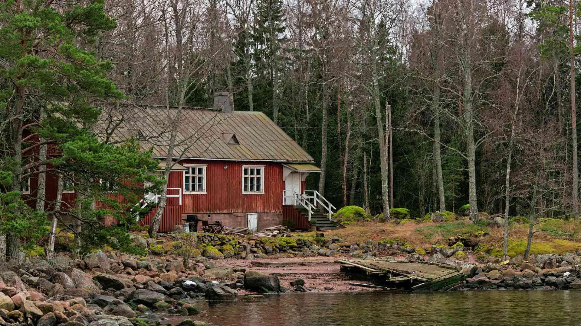 Nina Mellqvist on alkanut kunnostaa 1923 rakennettua taloa omaksi kodikseen.