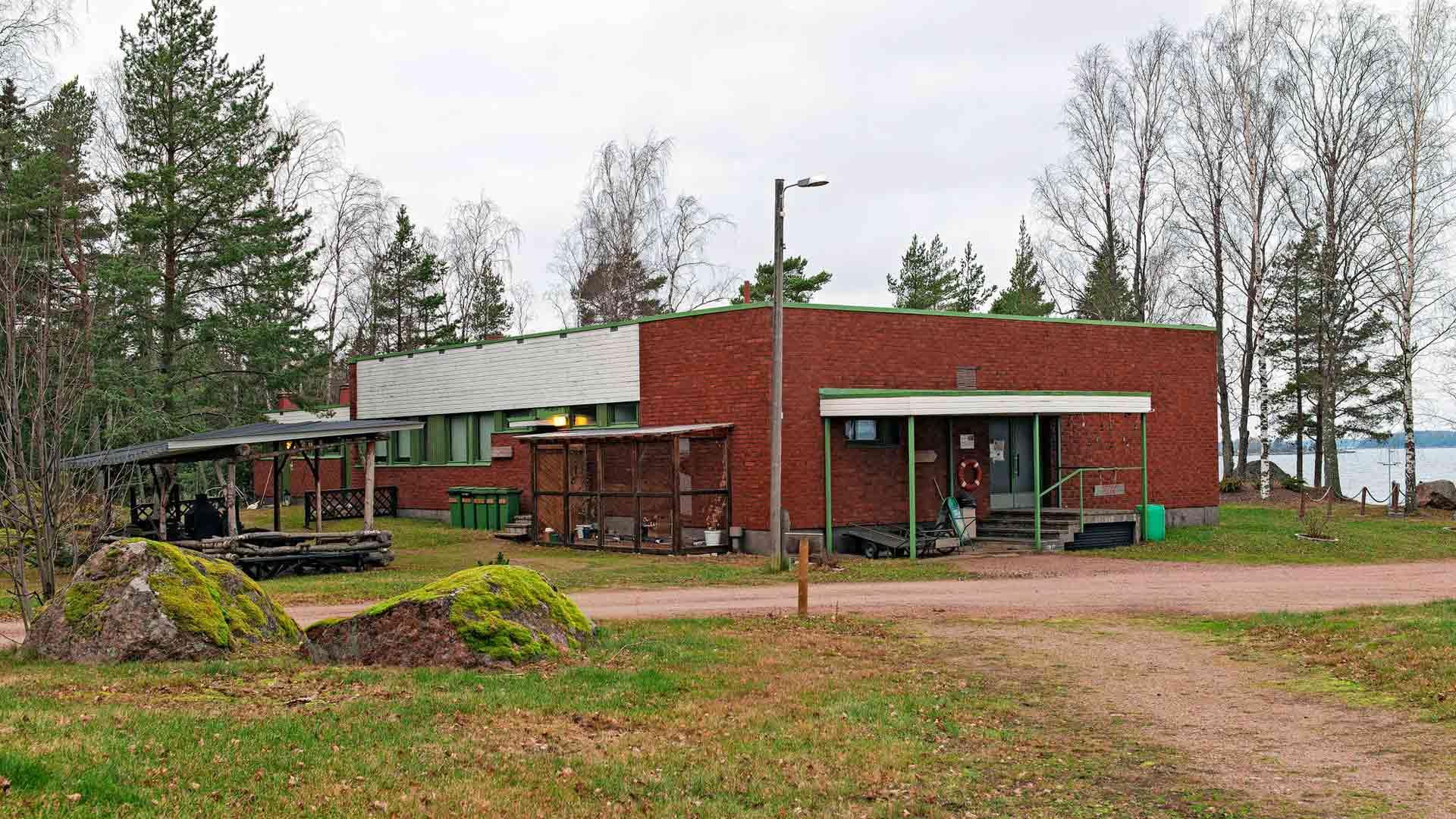 Nina Mellqvist on asunut viime toukokuusta lähtien Rankin entisen sotilaskodin päädyssä sijaitsevassa kaksiossa.