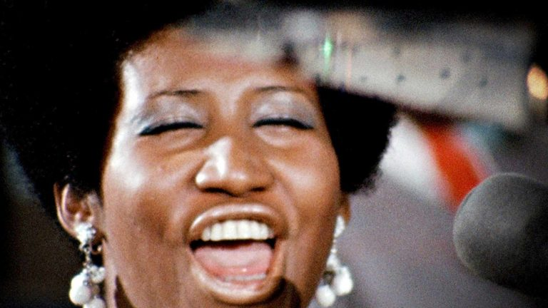Amazing Grace, kuvassa soullaulaja Aretha Franklin.