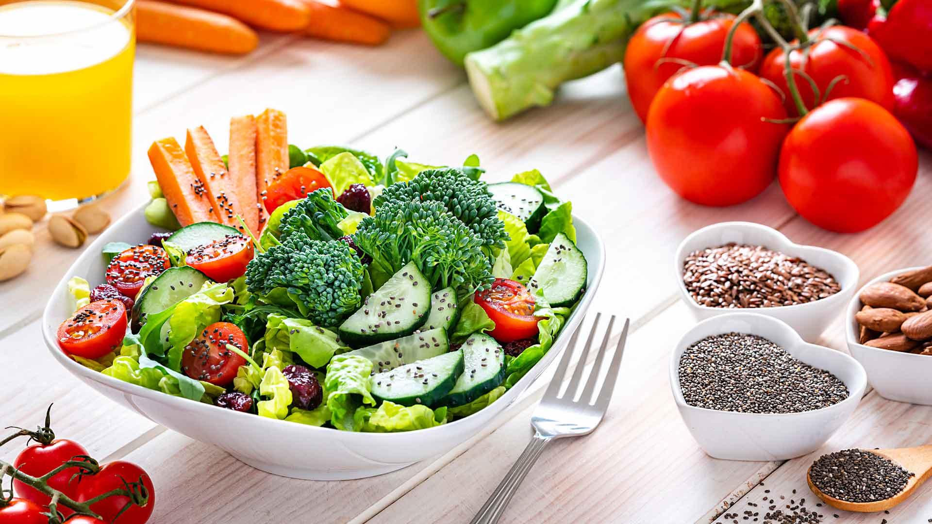 Keliaakikon päivittäiseen ruokavalioon kannattaa lisätä kuitua ja terveellisiä rasvahappoja.