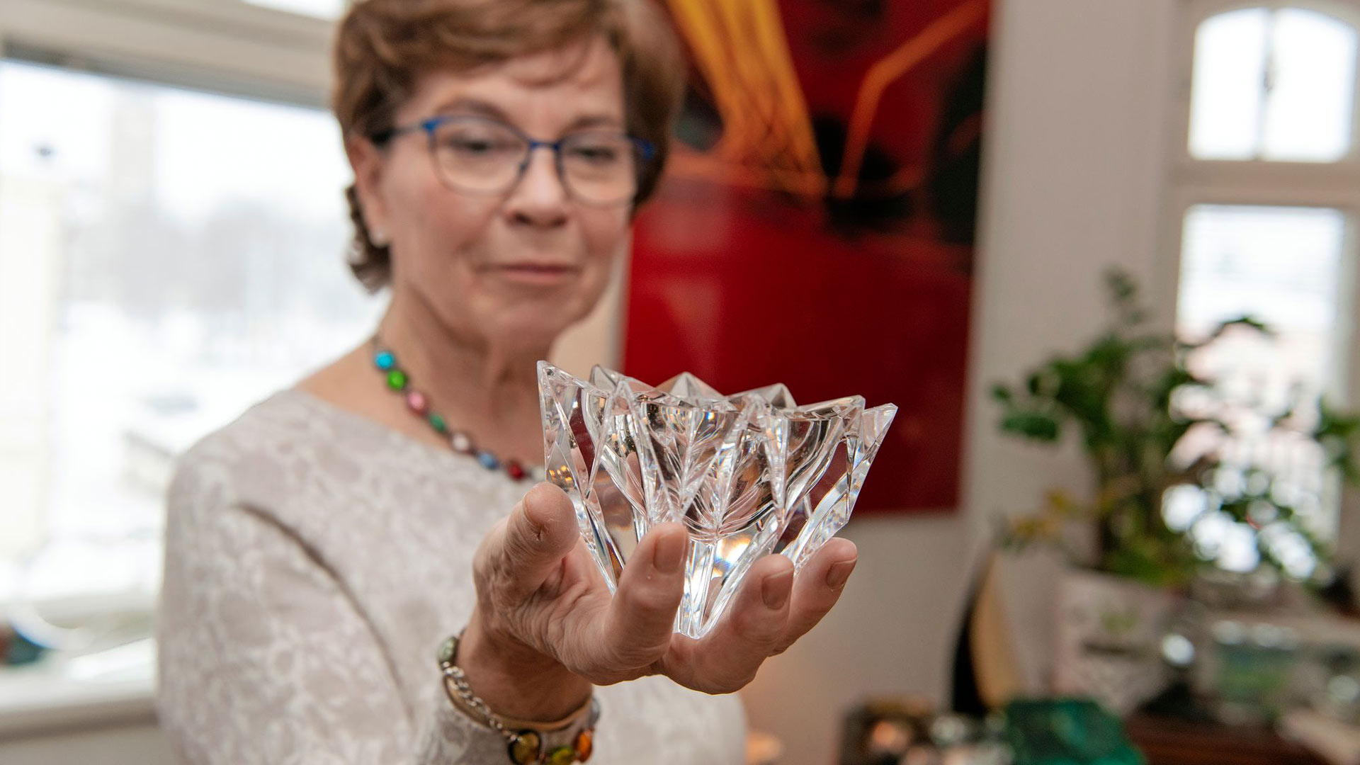 Lumpeenkukka on Aimo Okkolinin Riihimäen Lasille suunnittelemaa taidelasia.