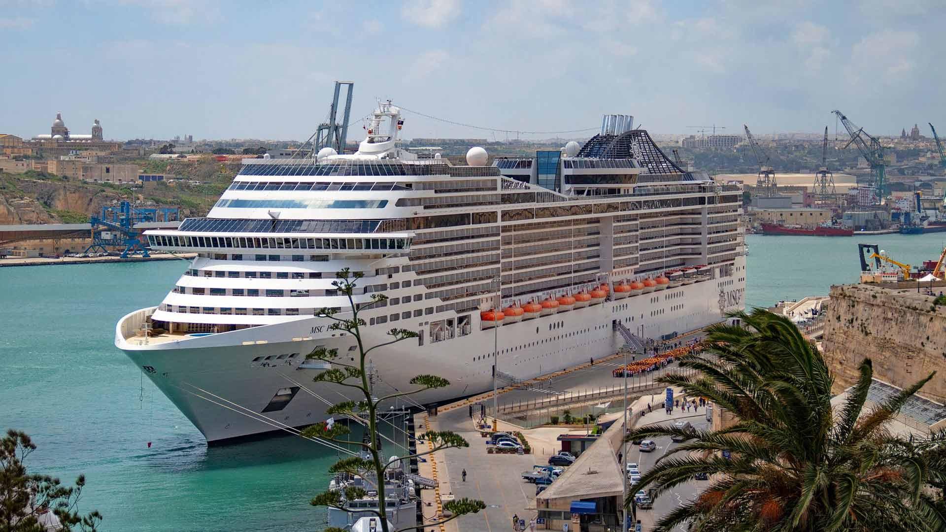 Maltan talouden pohja on matkailussa, siitä on tullut suurten Välimeren risteilijöiden vakio pysähdyspaikkoja.