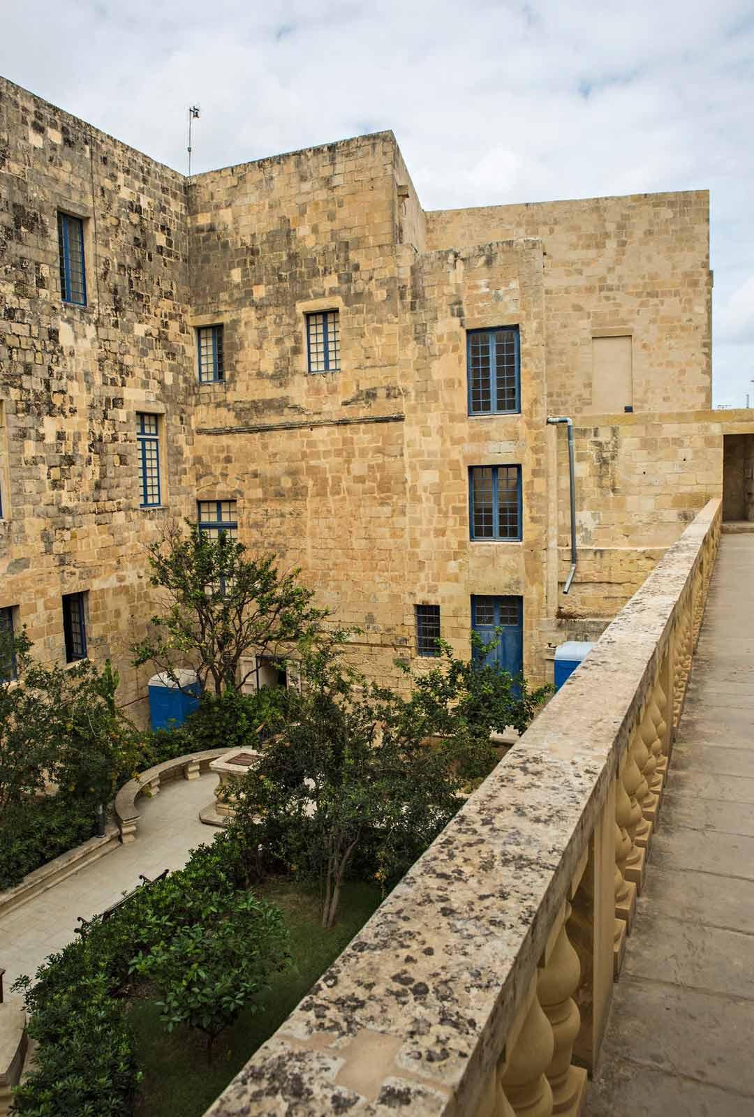 Inkvisiittorin palatsi Birgussa.
