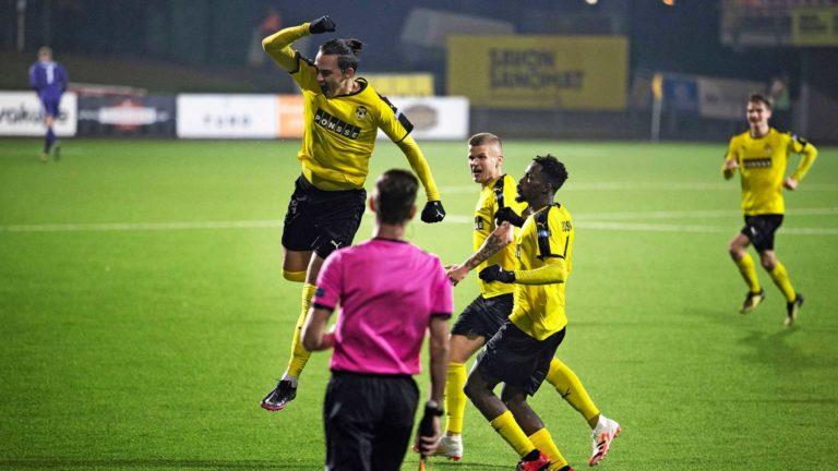 Suomencupissa menestyminen tuo joukkueille paikkoja kansainvälisiin otteluihin. Esimerkiksi Kuopion Palloseura KuPs tahkosi eurokentiltä viime kaudella noin miljoonan euron tulot.